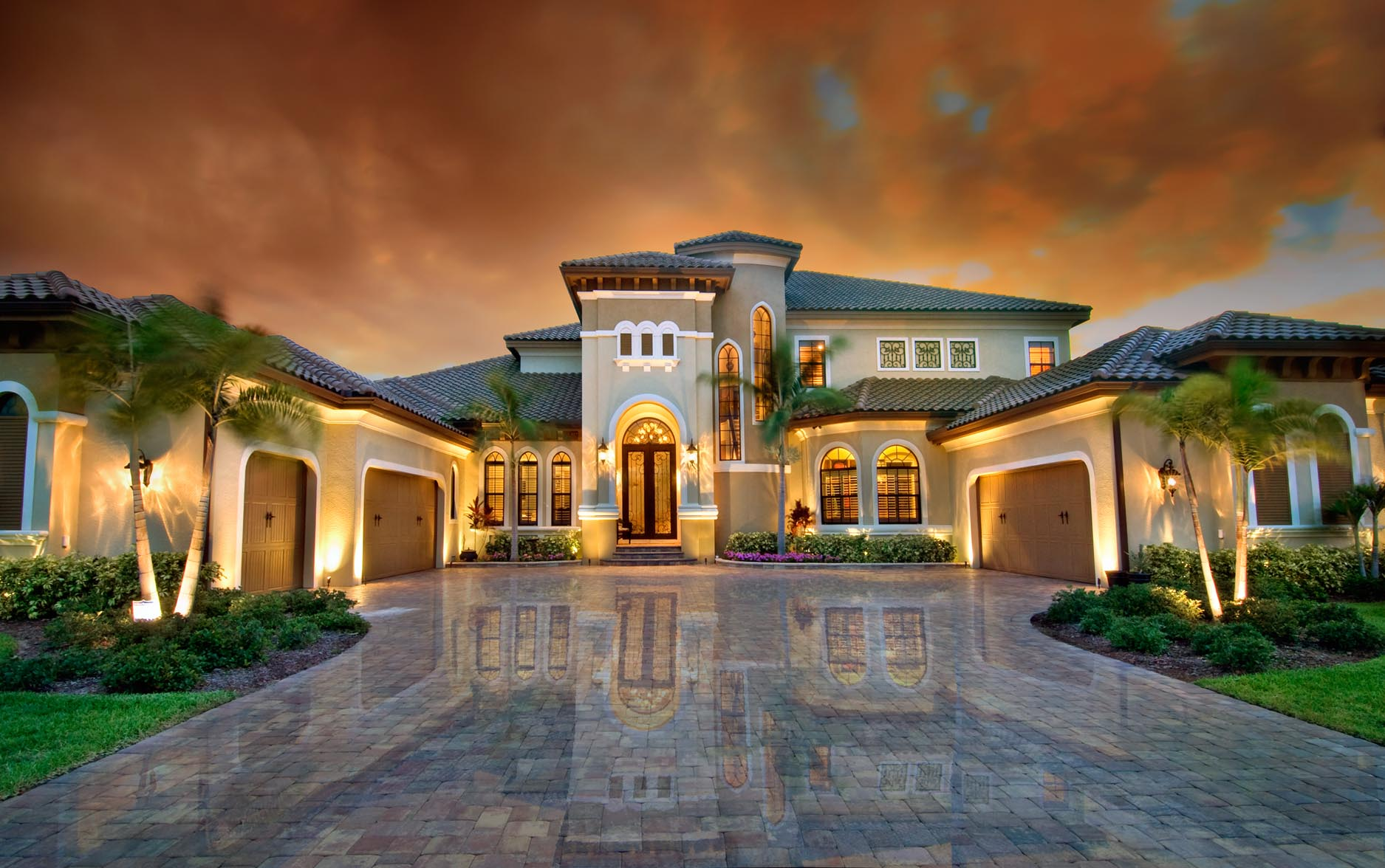 Gargulia construction southwest florida custom home for Beautiful luxury houses